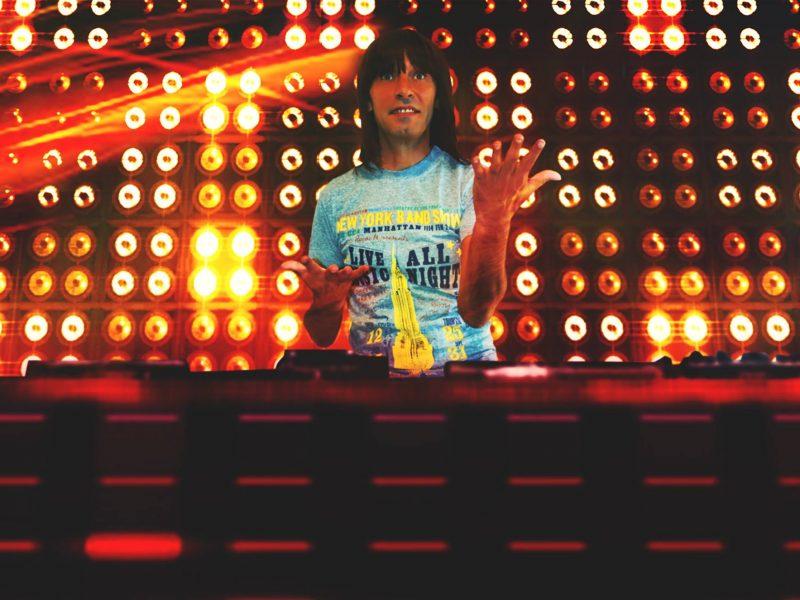 DJ DEGIANNY continua sa isi incante fanii cu noi mixuri de senzatie!